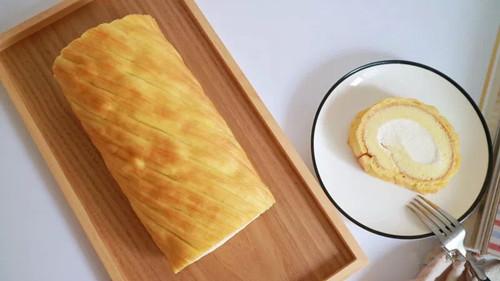 生乳蛋糕卷如何切片 - 用于蛋糕卷切割的超声波切割设备